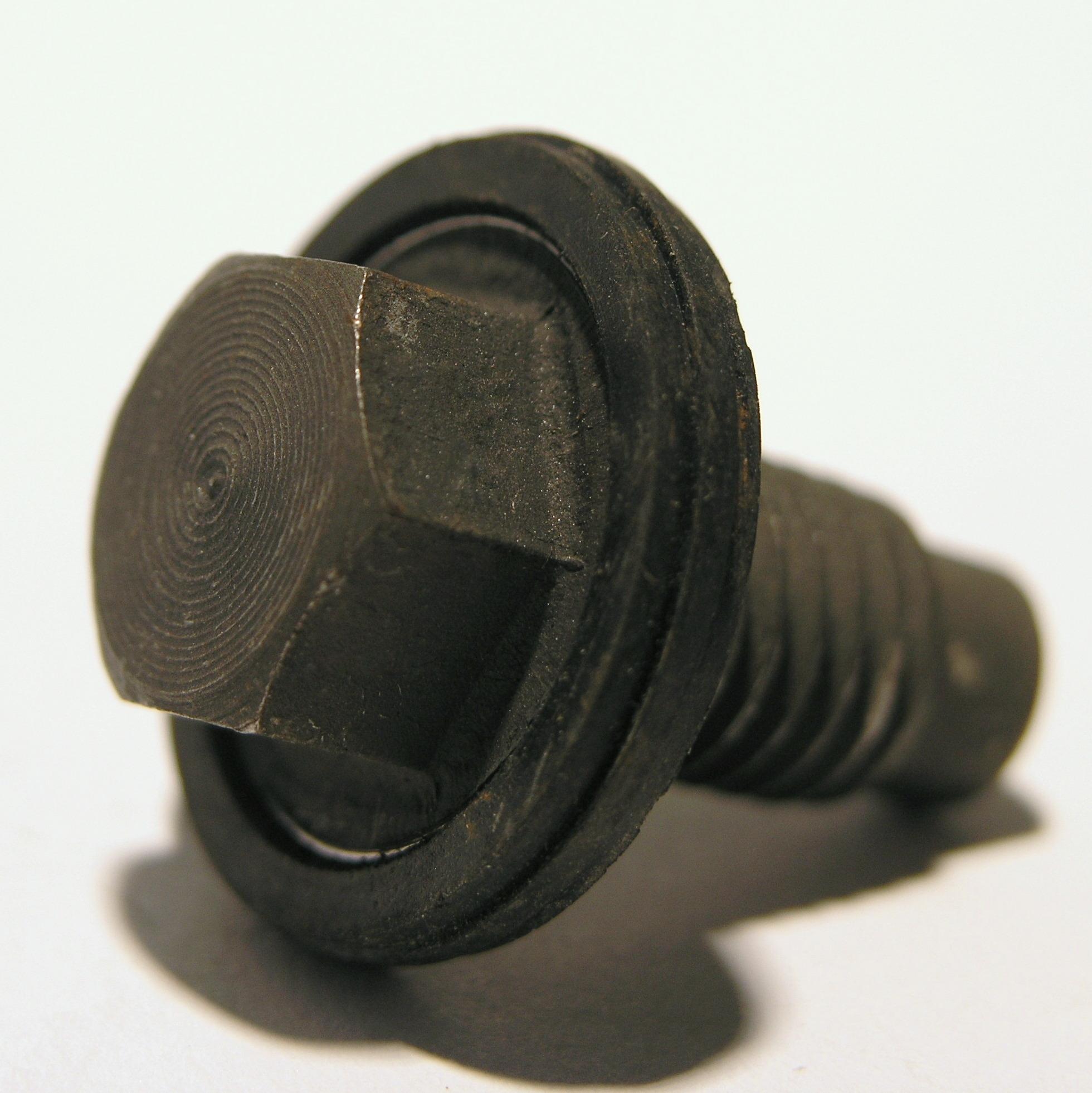 sump-plug-with-15mm-hex-head-thread-m12-x-1.5-thread-length-21mm-overall-length-32.5mm.jpg
